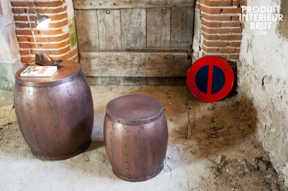 Une paire de tables « Cobré », esprit cave à vin…