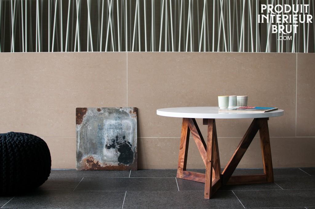 Cette table basse d'esprit rétro, joue aussi avec la solidité de l'esprit d'atelier – P.I.B.
