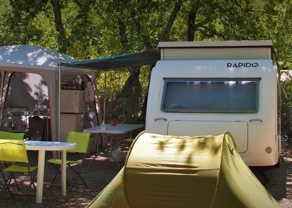 Location d'emplacement de tente dans un camping du Var convivial